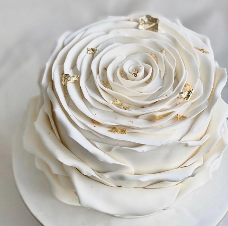 Beautiful White Rose Cake
