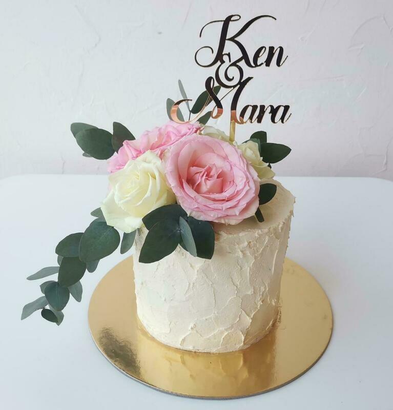 Mini 10 x 10cm Flower Cake