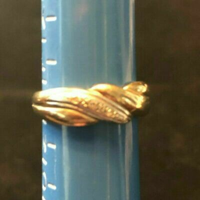 Vintage 9ct gold (and white) ring circa 1960's set with Diamonds