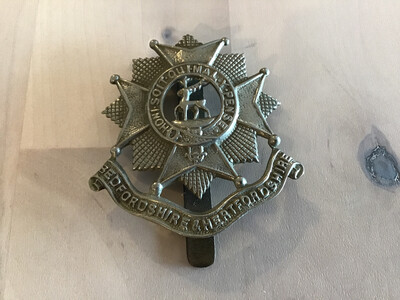 Bedfordshire And Hertfordshire (Beds And Herts) Regiment Cap Badge