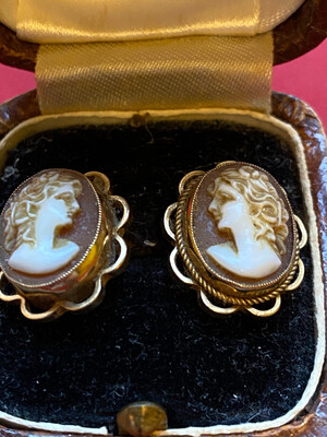9ct Gold Cameo Stud Earrings - In Original Box