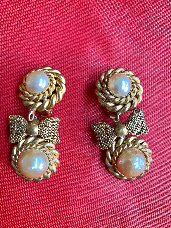 Butler & Wilson Vintage Pearl Earrings - Pair - With Clip Backs