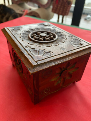 Small Wooden Trinket Box Or Possibly An Apprentice Piece - Early 20th Century