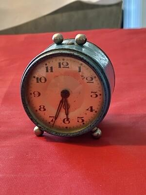 Vintage Tin Plate Desk Clock - not working