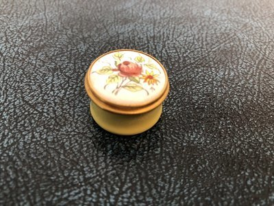 Crummles Porcelain Pill Box
