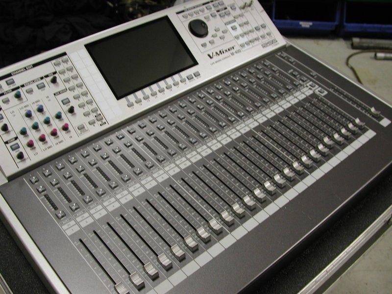 Mixer audio digitale ROLAND M-400 con case Roland