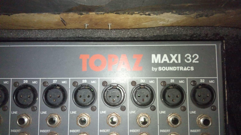Mixer Soundtracs Topax Maxi 32