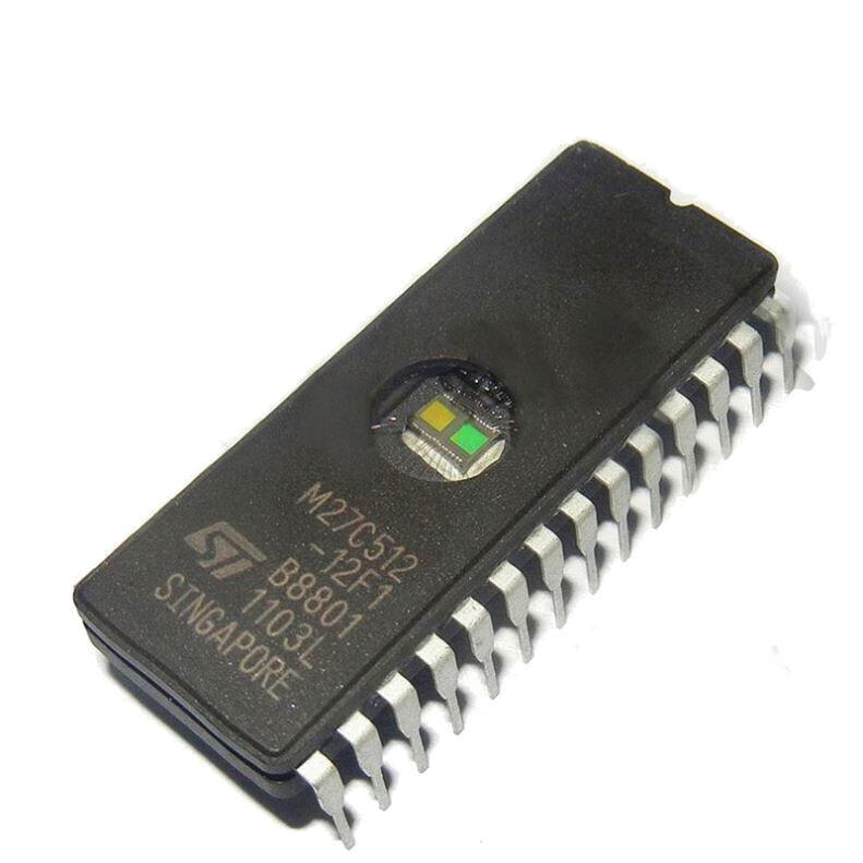 Интегральная микросхема памяти M27C512-12F1 (EPROM 64kx8) (CDIP-28)