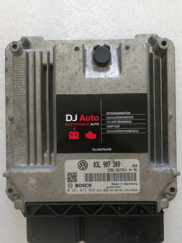 Volkswagen Calculateur moteur GOLF PASSAT 2.0 TDI Bosch EDC17CP14 03L 907 309 - 0 281 015 029