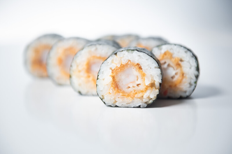 Tempura prawn roll with sweet chilli mayo (8 pieces)