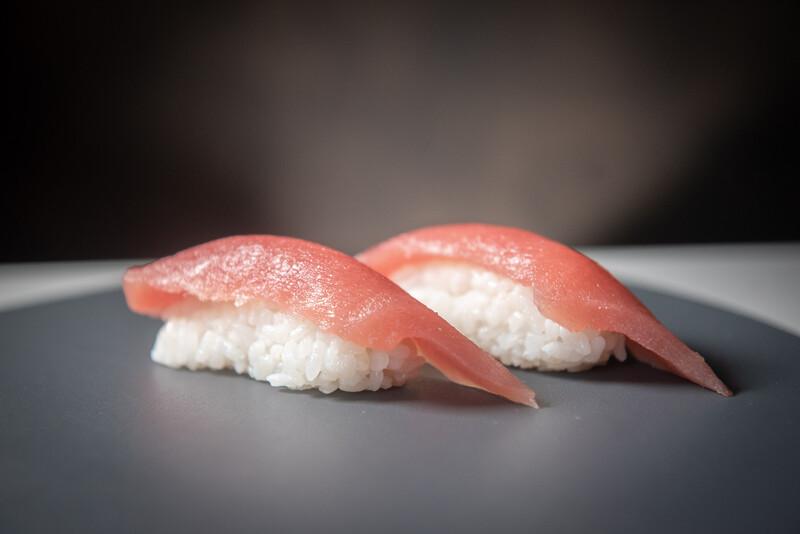 Tuna nigiri (2 pieces)