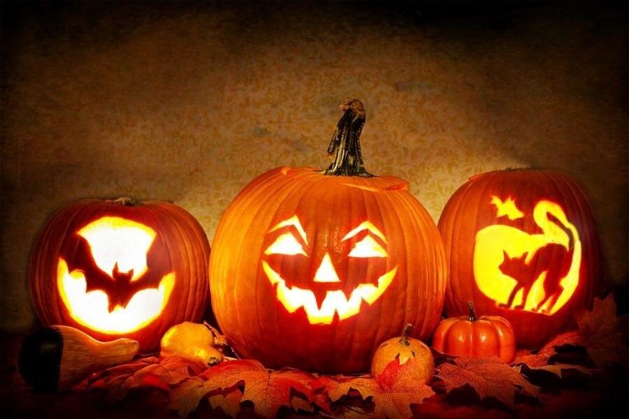 Sunday, October 25th, Spooktacular Pumpkin Carving Contest