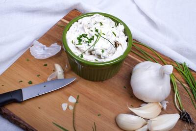 Garlic Chive Boursin Cultured Spread 8 oz