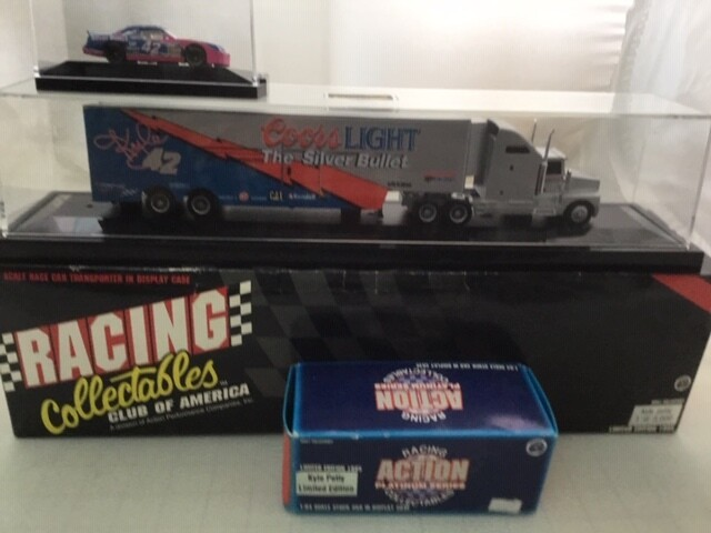 NDC123 1/64 Coors Light Hauler with Car with Car