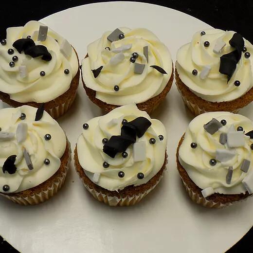 12 Cupcakes- Fellas