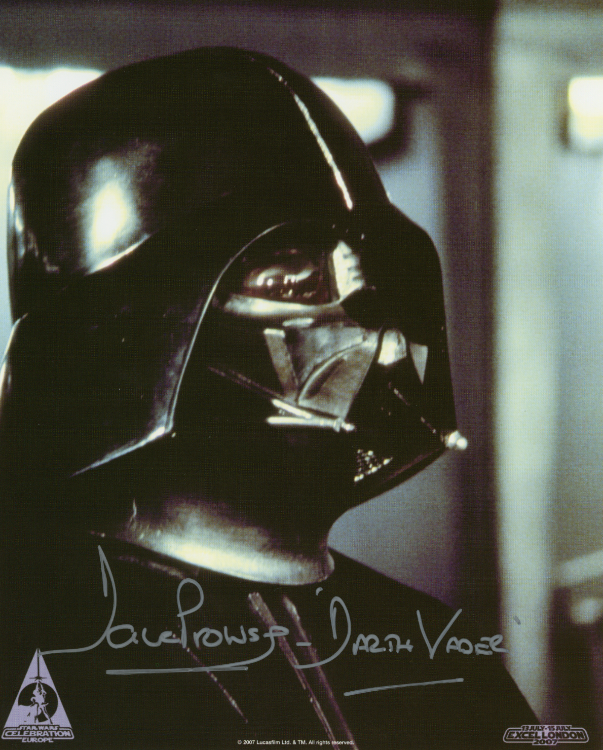 DARTH VADER 8X10 PHOTO SIGNED BY DAVE PROWSE
