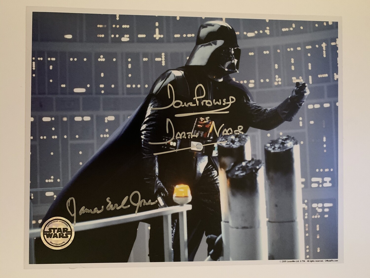 8X10 DARTH VADER PHOTO SIGNED BY DAVE PROWSE AND JAMES EARL JONES