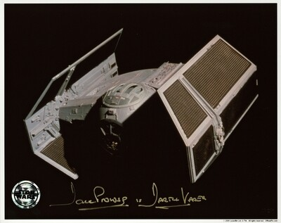 8X10 STAR WARS PHOTO SIGNED BY DAVE PROWSE
