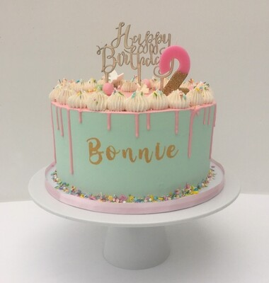 Pastel Green With Pink Chocolate Drip (Excluding Candle)