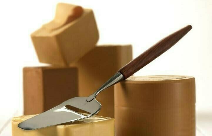 EKTE GEITOST MED NM GULL, hel ost. 0.750kg