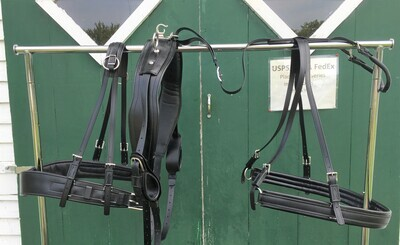 Synthetic black/stainless harness - Horse size - Like new.