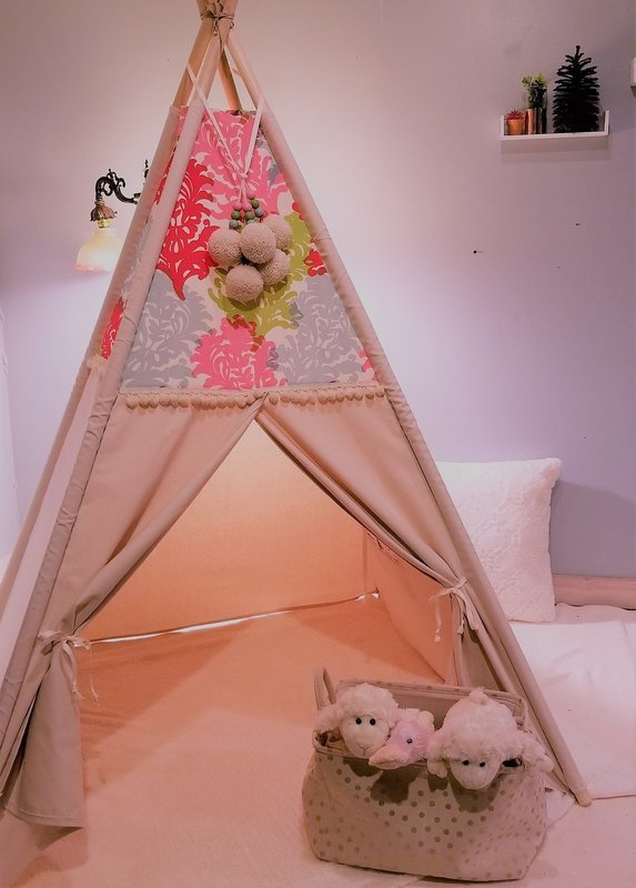 Big Blooms Teepee, Tipi, Reading Nook, Kids Room Decor, Cotton Canvas Kids Play Tent
