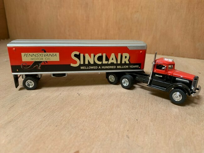 "Peterbilt ""The Sinclair"" 1939"