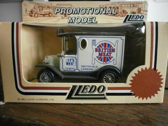 Ford Model T Diecast Bus British Meat