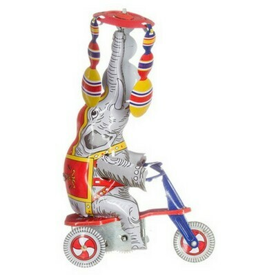 Olifant op scooter