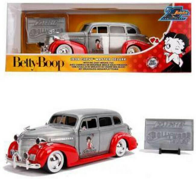 Betty Boop  -  Chevrolet Master Deluxe