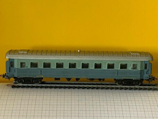 Lima  -  Passagiers wagon
