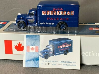 Diamond T620 Box Van