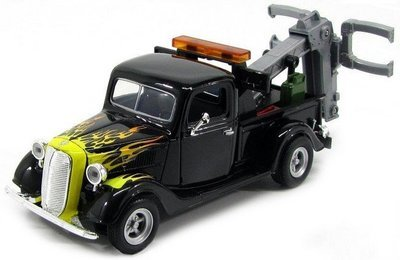 Ford Pickup Wrecker