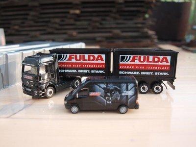 Mercedes benz oplegger en bestelbus Fulda