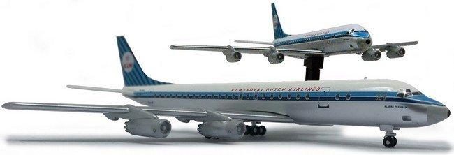 Douglas DC - 8