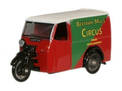 Tricycle van Bertram Mills circus