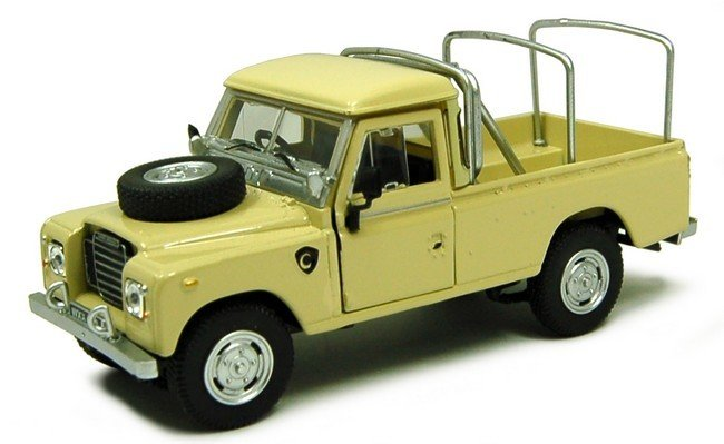 Land Rover serie III 109 with Roofrack