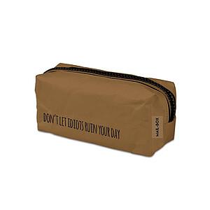 Pennenzak bruin uit 100% wasbaar papier.