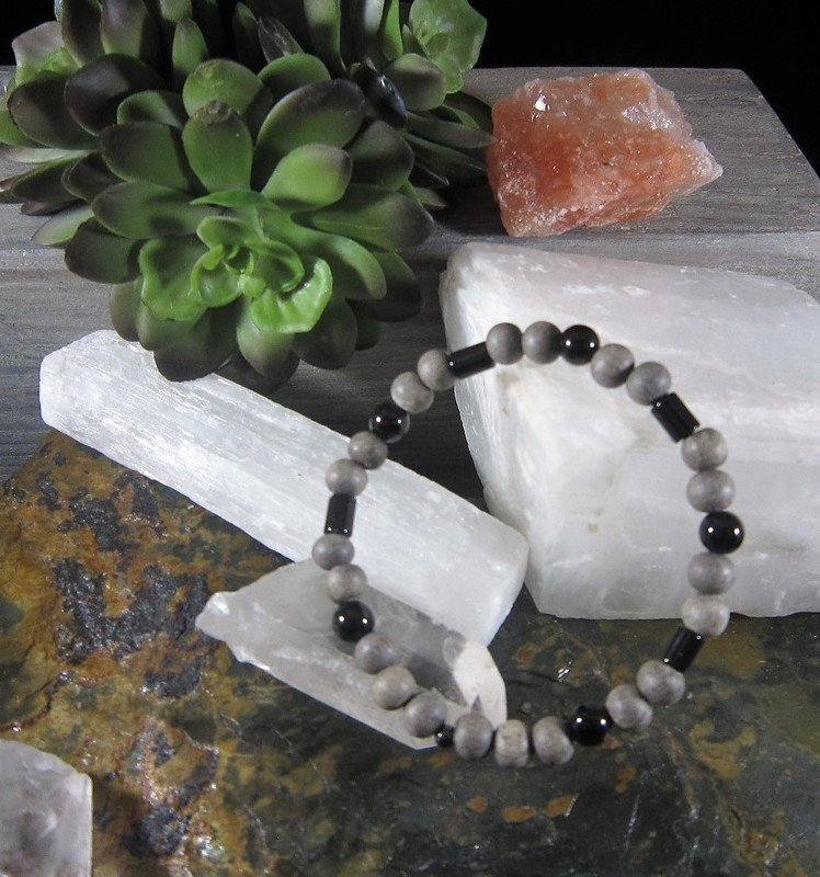 Onyx ~GROUNDING CONFIDENCE STRENGTH~ Essential Oil Infusion Bracelet