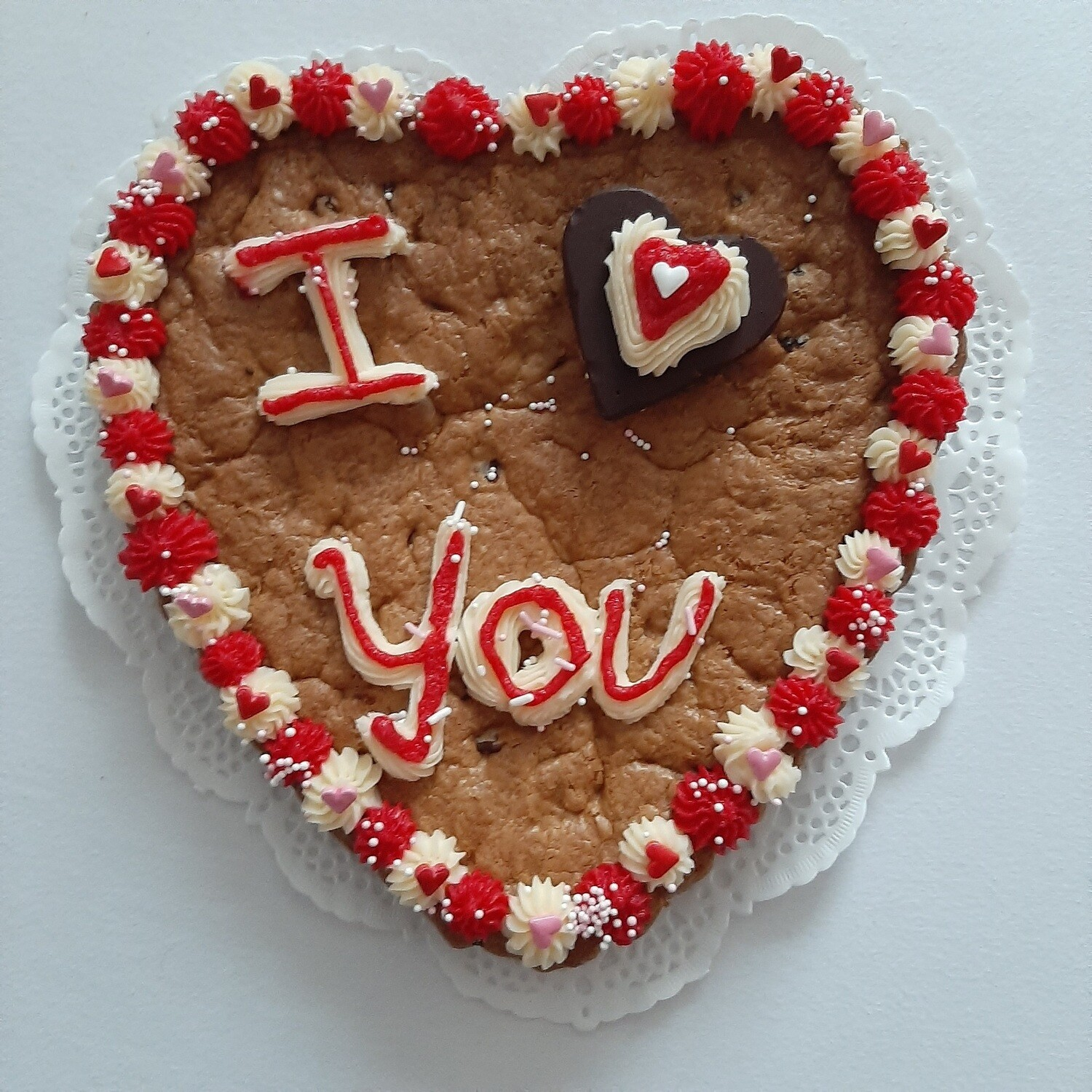 €23,99  Heart Shaped Cookie Cake 23cm