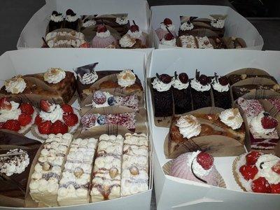 Assorti gesorteerd luxe gebak