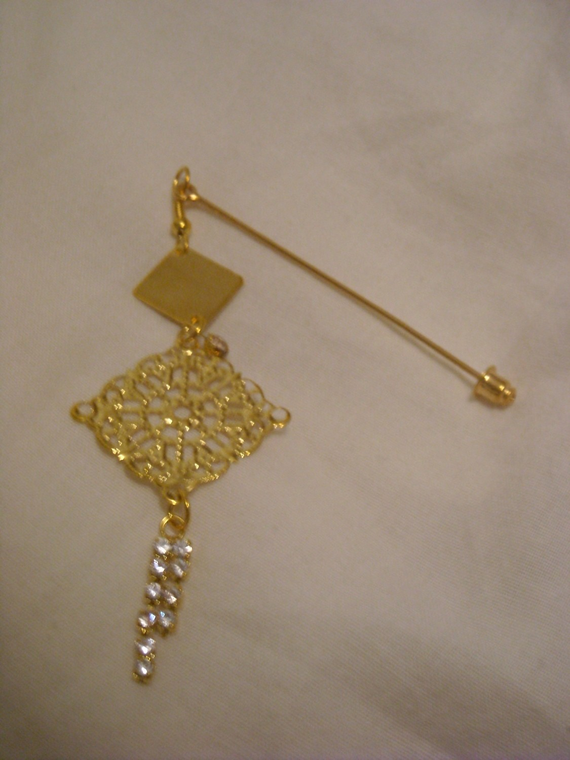 Hijab pin gold charm