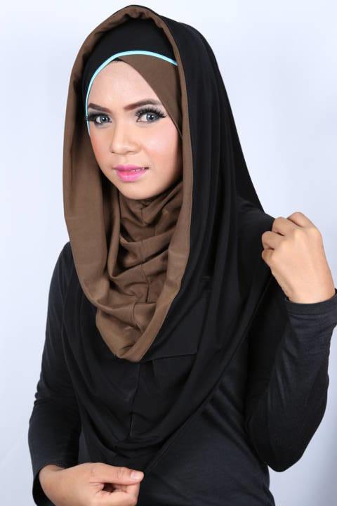 Smart Cut Hoodie Hijab Brown/Black croisé