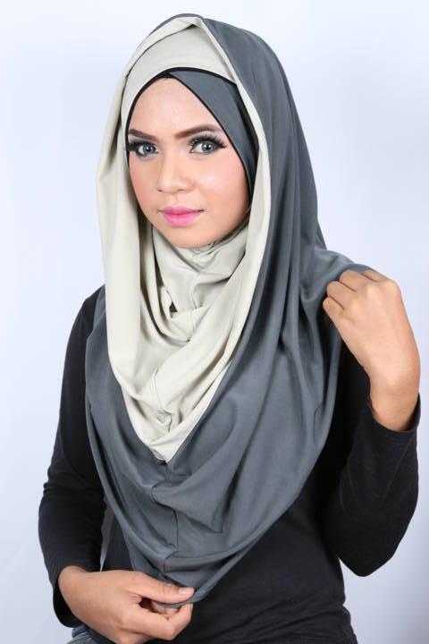Smart Cut Hoodie Hijab Grey croisé