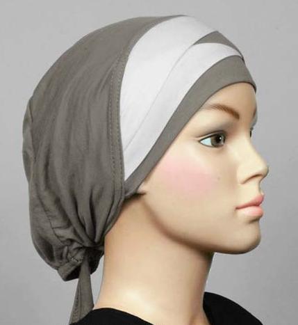 Bonnet grau/weiss / Bonnet gris/blanc / Cap grey/white