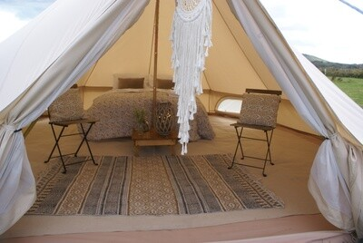 Deluxe Bell Tent (Furnished bell tent with bedding + includes £50.00 deposit) CHILLED IN A FIELD