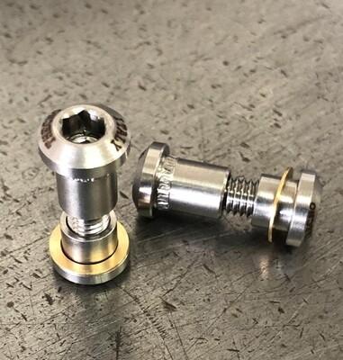 external seatpost lock / double screw