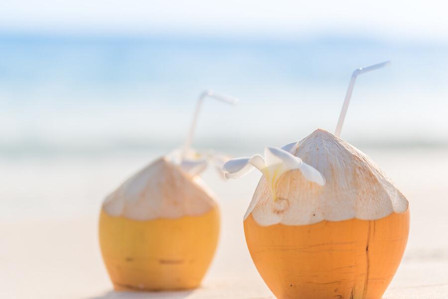 Peeled top Orange KING - Fresh Organic Young Coconut - Box of 8