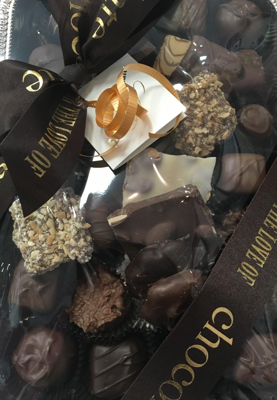 Mixed Milk and Dark Chocolates (1.25 lb Tray)