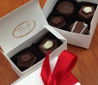 4 Piece Favor Box, 2 Buttercremes, 2 Truffles or 4 Truffles.  Choice of Ribbon Color 10 day pre order
